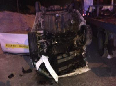 Перевёрнутое такси и погибший: видео последствий ДТП в Кемерове