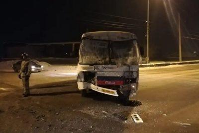 Фото: в Новокузнецке углевоз протаранил маршрутку, есть пострадавшие