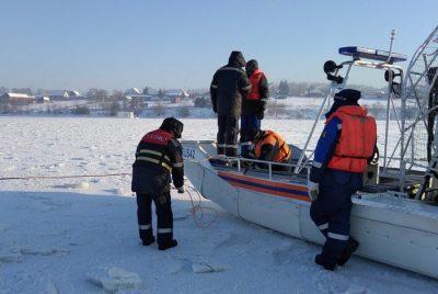 В Белове нашли тело одного из утонувших на снегоходе мужчин