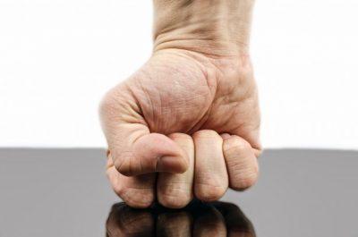 В Новокузнецке регбист, проломивший лицо товарища кулаком, избежал наказания