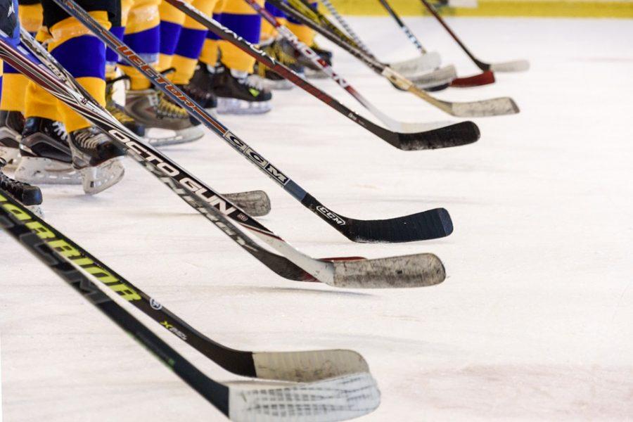 Сибирский хоккеист умер во время матча