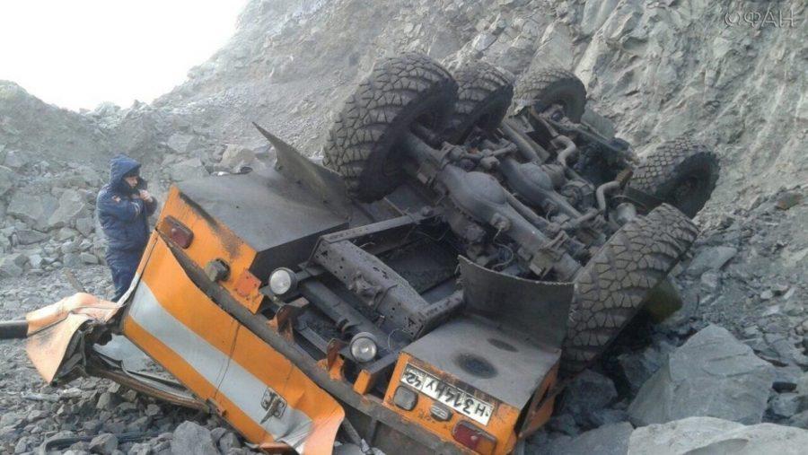Фото: на кузбасском разрезе 6 горняков погибли в ДТП