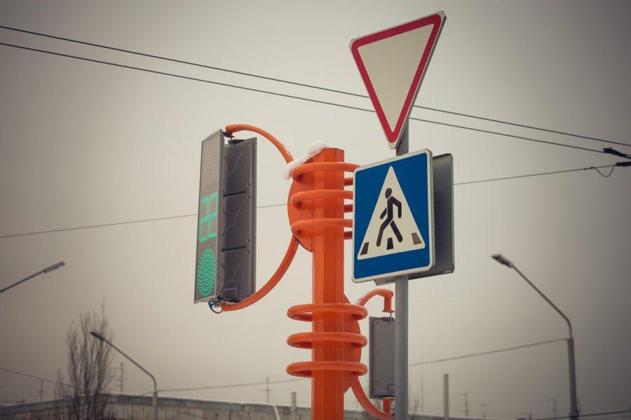 В Кемерове на Притомском по-новому заработает светофор