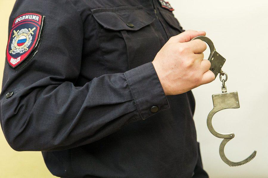 В Новокузнецке ищут сразу двух опасных преступников