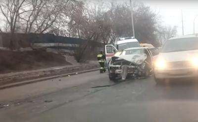 Четверо попали в больницу: подробности массового ДТП в Кемерове