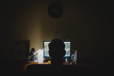 Хакер из Новокузнецка получил полный доступ к компьютерам сотен россиян