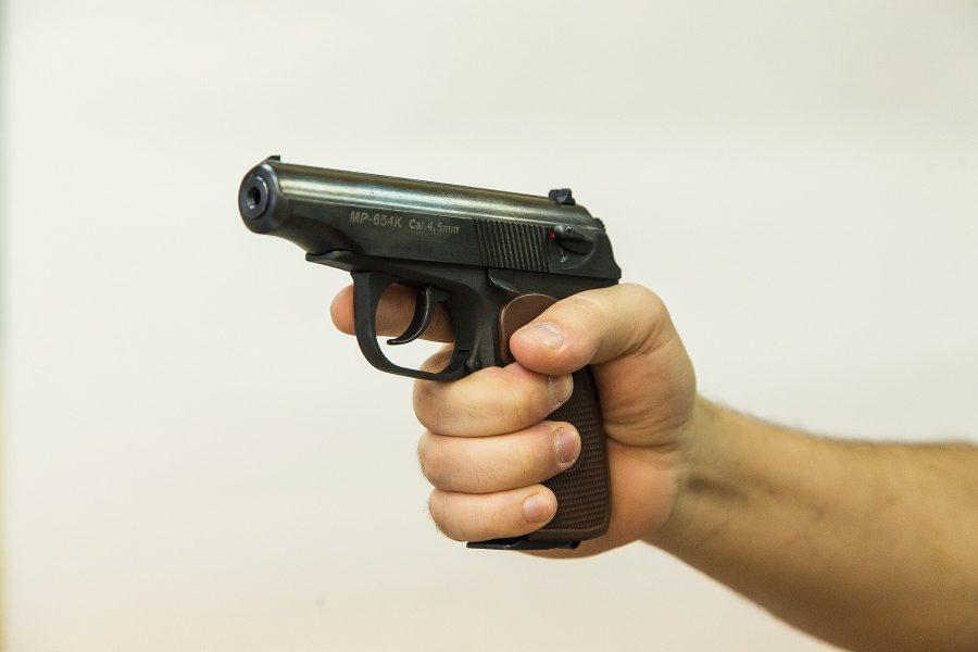 Видео: массовая драка со стрельбой в кузбасском ТЦ